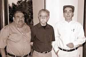 Lázaro González, Saúl Rosales y Julio César Félix.