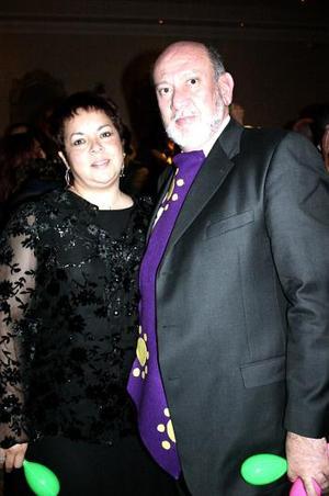 Claudia de González y Enrique González