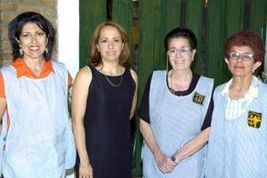 uadalupe de Katsicas, Marisol Rosell, Esther y Carmen Montellano, fungieron como anfitrionas.