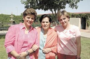 <b>02 de mayo </b> Vivis de Ruiz, Margarita de Sesma y Malena de Sesma.