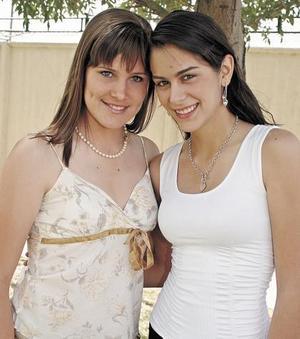 Karen von Bertrab  y Daniela Sesma.