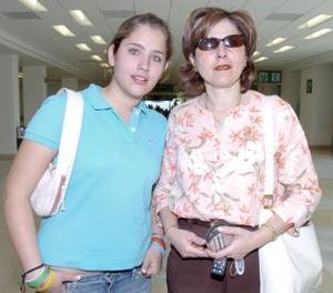 <b>02 de mayo </b> <p> Maru de Teele y Andrea Teele viajaron a Guadalajara.