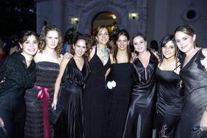 Laurencia González, Laura de Mansur, Velia de Yarza, Pily Barrios, Ale Villalobos, Ana Gaby de Juan Marcos, Brenda de Villalobos y Sonia Mansur.