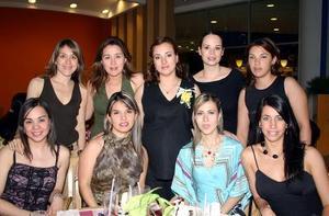 Rocío de Gamboa con sus amigas Silvia Flores, Susy Silos, Ale  Roca de Ramos, Pilar Lavín de Ramos, Claudia Pérez, Lilia Aguilera de Gutiérrez, Laura Garnier y Jéssica Yacamán.