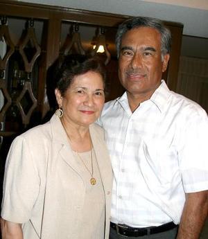 Javier de la Fuente y María de Lourdes de la Peña De la Fuente celebraron recientemente 42 años de matrimonio