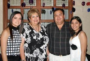 Rosa María  Carrillo de Pérez disfrutó de una fiesta con motivo de su cumpleaños.
