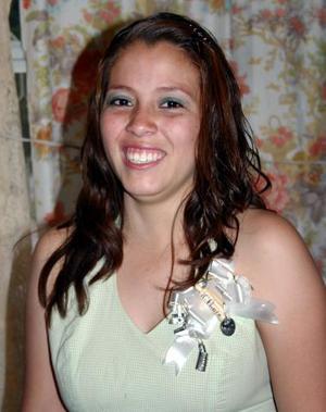 <b>04 de mayo </b><p> Maricela Barrios Ramírez, captada en su última despedida de soltera