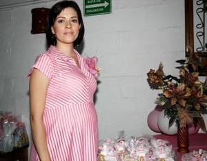 Alejandra Carrillo de Peña disfrutó de una fiesta de canastilla