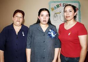 Nancy Albino y San Juana Aguirre le organizaron una fiesta de canastilla a Miriam Albino de Salas.
