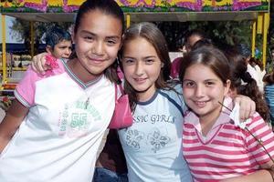 Susana Román, Gaby Urby y Vicky Cortinas.