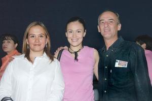Elvia Ramírez, Liliana Ramírez y Omar Zorrilla.