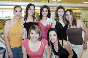 Diana Daher Pámanes acompañada por sus amigas, Laura, Any, Daniela, Cecilia, Silvia y Julieta