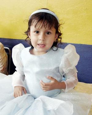 <b>05 de mayo </b> Paulina Estefanía Ávila Acevedo.