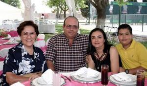 Abelina de Sandoval, Luis Sandoval, Laura de Sandoval y Luis Sandoval.