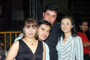 Claudia de Ruiza, Alejandro Ruiz, óscar Frayre y Karina de Frayre