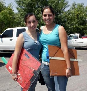 Claudia Villalobos y Lorena Hernández