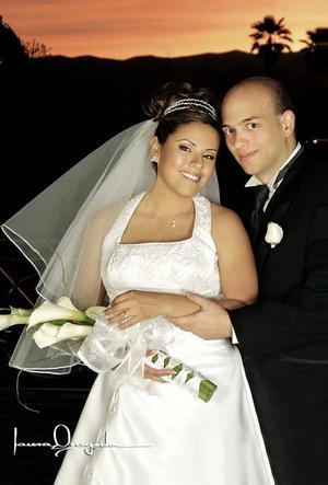 Dr. Oliver Schwindt y Lic. Isela Flores García contrajeron matrimonio  el pasado 26 de marzo de 2005.