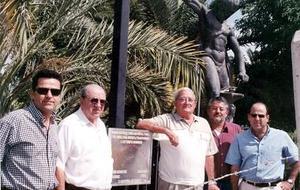 Jorge Dueñes Zurita y Arturo Rodríguez Meléndez con algunos de sus hijos.