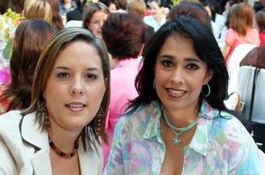 Gaby de González y Martha de Llamas.