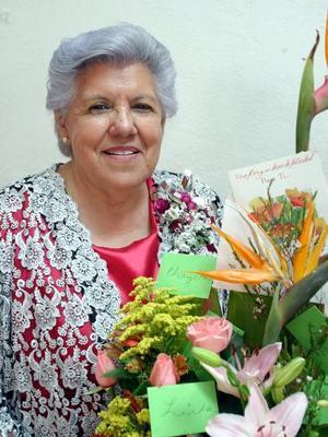 <b>08 de mayo </b>  La señora Ernestina Isabel Marín.