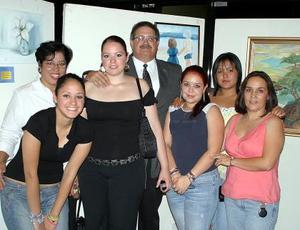 Daniela, Elena, Julieta, Alfredo, Alejandra, Ayla y Marisela.
