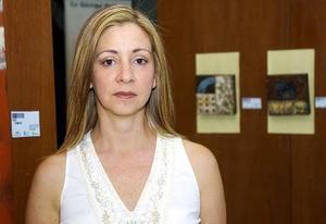 Rosa María del Toro expuso sus más recientes creaciones en el Teatro de Gómez Palacio.