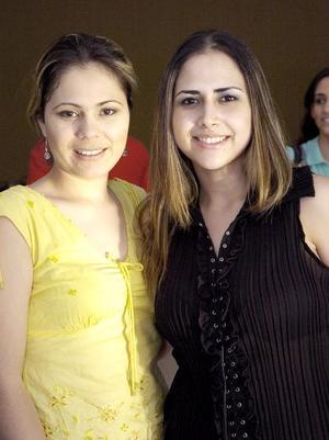 Sambra de Sandoval y Nuria de Martínez.