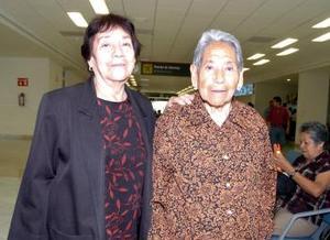 Ángela Rodríguez y Maclovia Rodríguez viajaron a Los Ángeles.
