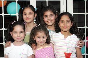 Brenda y Paola Villalobos, Ana Karen, Mariana y Daniela Ceniceros.