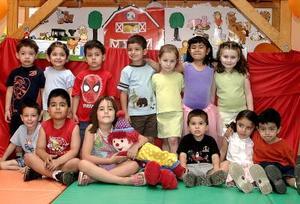 Pequeños de conocido colegio de pre escolar captados en un festejo del Día del Niño