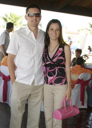 <b>11 de mayo </b><p> Ricardo Ávalos y Patricia Llama.