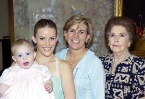 María Luisa García de Va,encia, María Luisa Valencia de Torres, Magdalena Lavín, Ana Sofía Torres de Canedo y Carlota Canedo Torres.