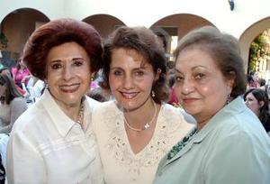 Norma Cepeda, Rosario Murra y Emma de Murra.