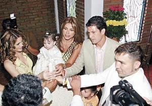 <b>11 de mayo </b> Momentos en los que Mónica Borggetti fue bautizada.