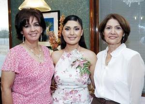 Bertha Cárdenas de Salsamendi y Obdulia Herrera García le organizaron una fiesta de despedida de soltera a Cristina Ríos Herrera.