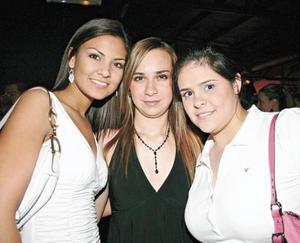 Pamela, Paulina y Valeria