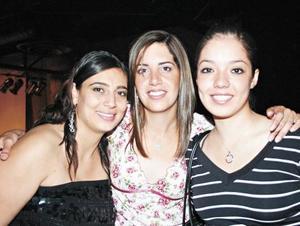 Ivonne Murra, Luly Gallegos y Erika Gómez