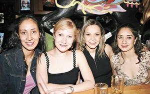 <I>Y  ¡LLEGÓ LA NOCHE!</I><P>Cristina Flores, Mónica Fernández de Garza Tijerina, Alejandra Nahle de Mijares y Laura Pérez