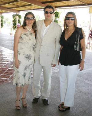 Daniela Jaramillo, Francisco Palacios y Yolanda Hernández