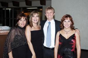 Cecilia Niño de Rivera, Pilar González de Marroquín, Cristina y Carlos Alatorre