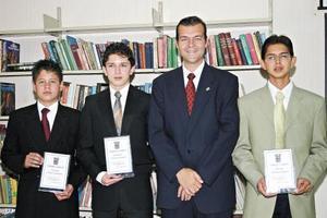 <I>GRAN CONCURSO DE ORATORIA</I><P>Los ganadores del concurso fueron: Luis Benito Arguijo Salomón, Alejandro Cruz Arriaga y Felix Echeverría Ochoa