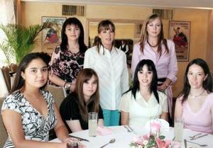 Carmen de Luengo, María del Pilar Cabarga de Ramírez, Sofía Towns de González, Fátima Rosales, Karina Franco, Mónica Franco y Esther de Lozoya.