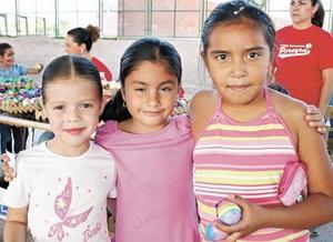 Mary Jose Estrada, Ana Avelina y Ana Cecilia Herrera