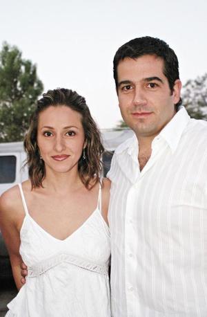 Mónica Inclán de Flores y Rafael Flores Cordero
