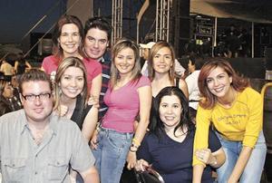 Ana Cris Hernández, Damián García, Katy Ruíz, Lizeth Leal, Nancy Reveles, Gery Delcojo, Gelo Issa y Vero Rentería