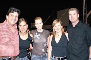 Ernesto Thomé, Mónica Villalobos, Ana Gilio, Aurora Tenorio y Carlos López