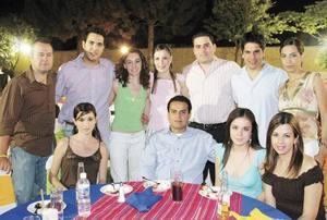 Rodrigo Segovia, René Garza, Luly Valdés, Claudia Rosas, Guillermo Arratia, Daniel Trejo,  Luisa Díaz, Cristy Viesca, Jorge Ruvalcaba,  Sofía Máynez y Ale Ávalos.