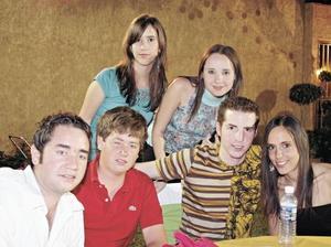 Palmira Covadonga, Daniela Teele, Alejandro Teele, Manolo Martín, Pedro Martín y Luz María Martín