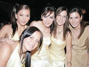 Marisú del Bosque Martínez , Edna Garza Guasco, Raquel Lavín, Paulina Delgado y Elena Siller