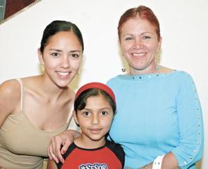 Paty y Ana Sofía Madero y Carmen Madero de Pinto